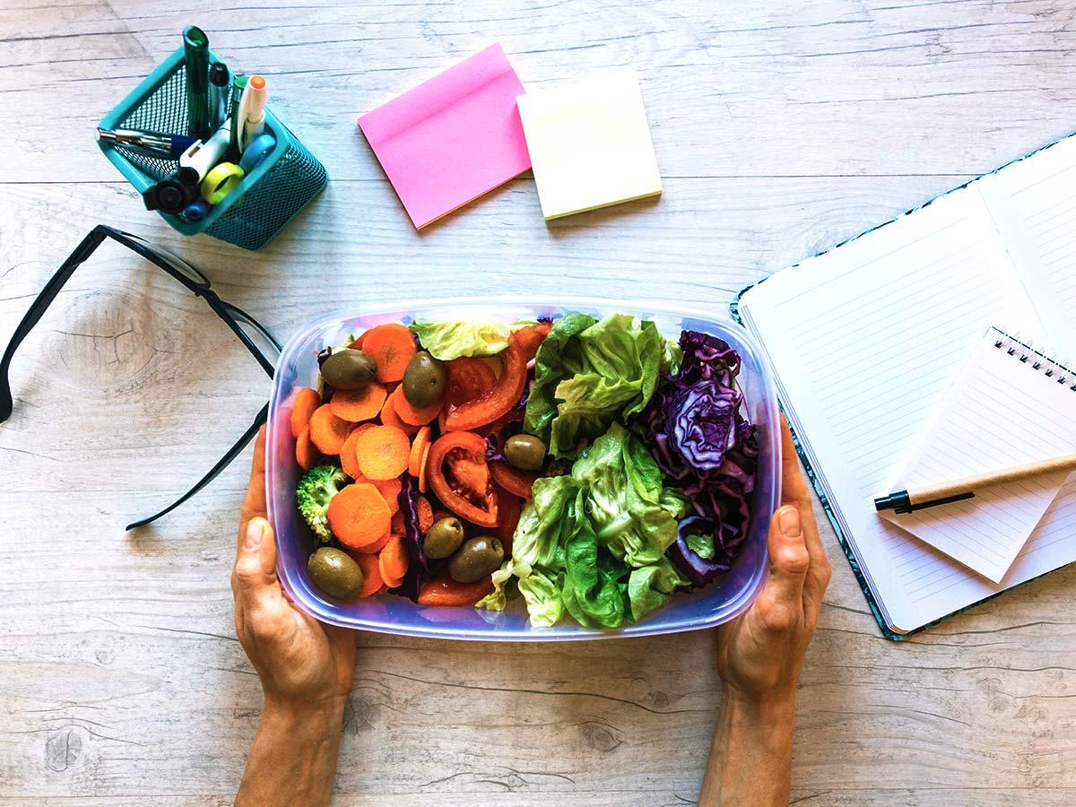 Melhore sua alimentação em home office 🥗