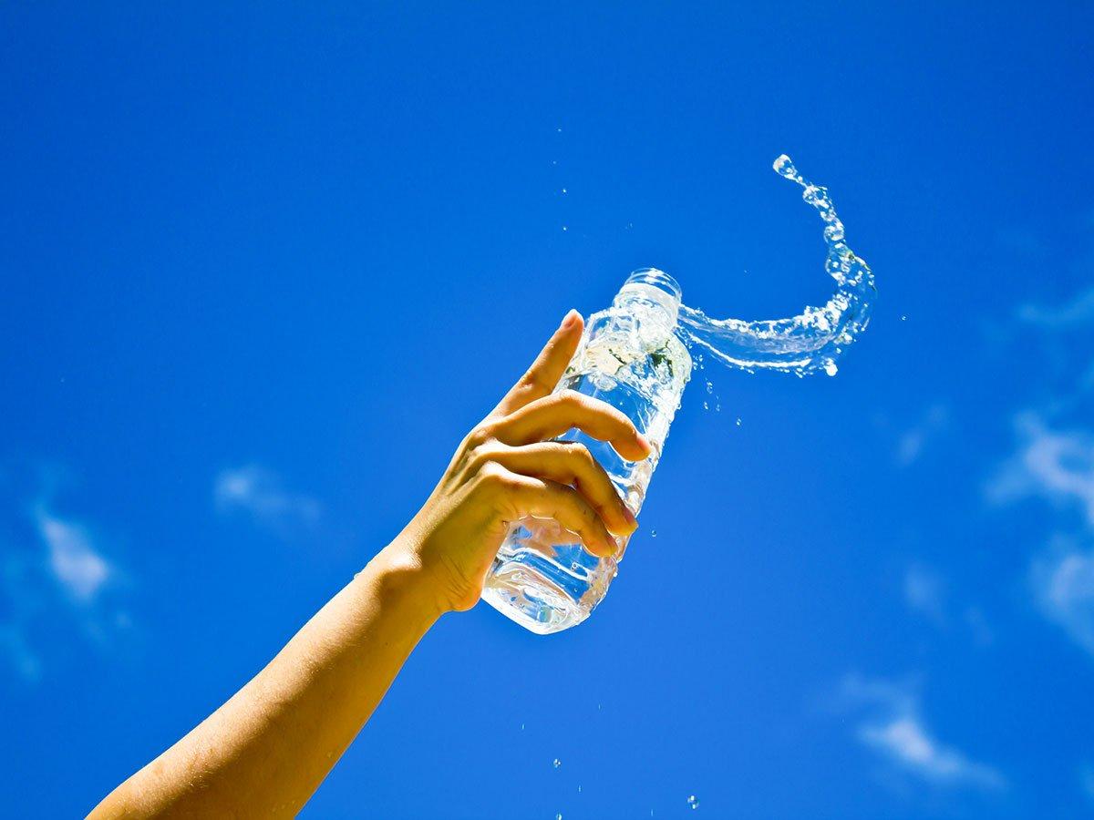 Bebo água: o que ganho com isso?